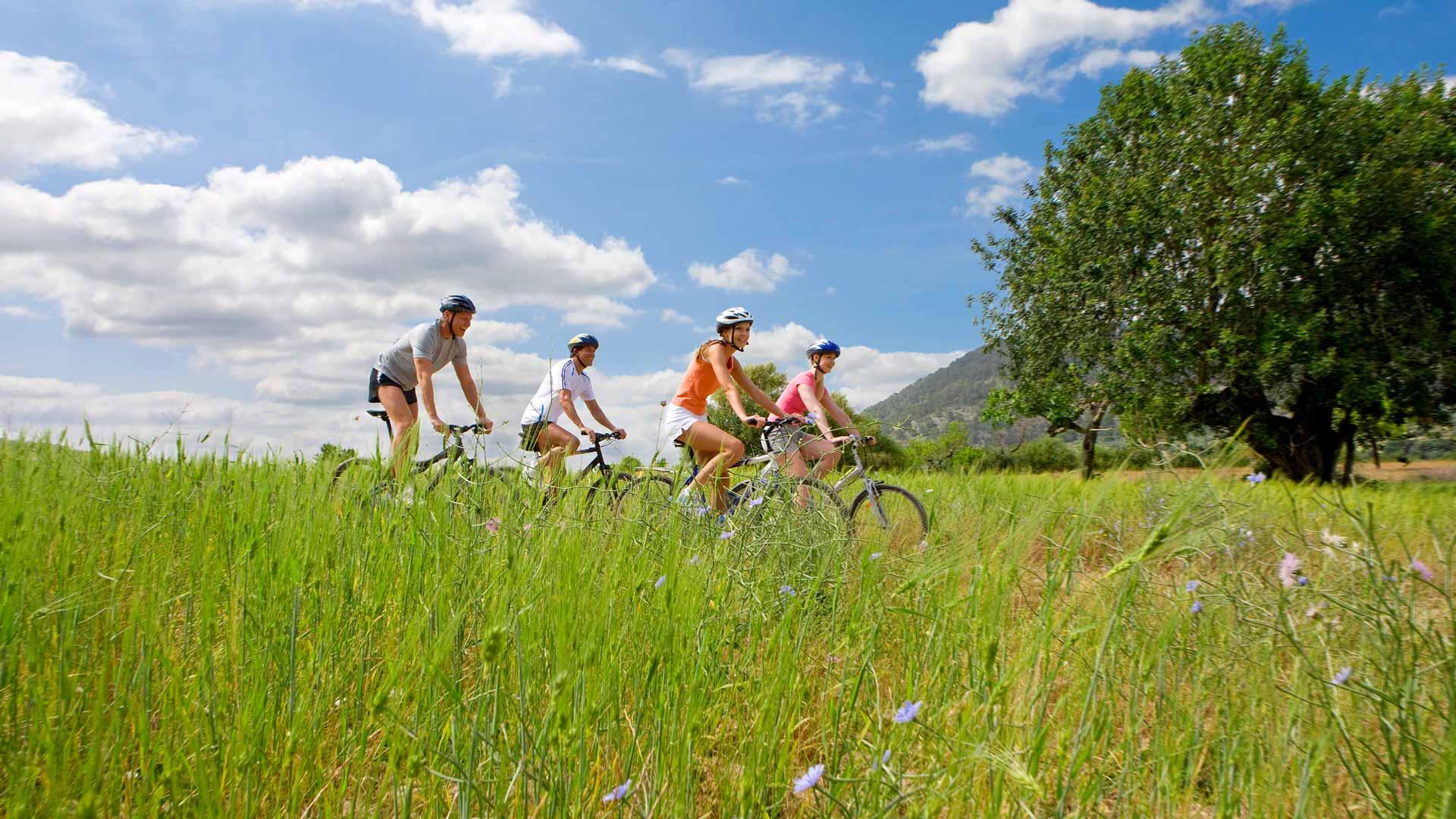 Sykkeltur på egen hånd.
